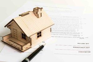 Prüfung eines Schenkungsvertrages mit einem Holzhaus
