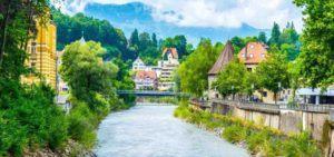 Blick auf Fluss in Feldkirch