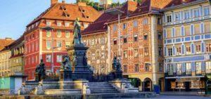Blick auf Grazer Innenstadt für Anwälte im Vertragsrecht