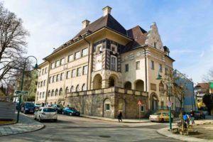 Altes Gebäude in Linz für Anwälte im Vertragsrecht