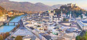 Blick auf Stadt Salzburg für Anwälte im Vertragsrecht