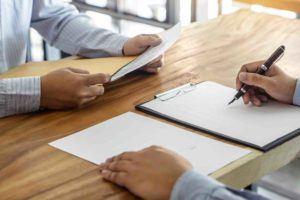 Anwalt erstellt Darlehensvertrag